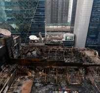 BOMBAY, India.- Catorce personas fallecieron en un incendio. Foto: @MumbaiMirror