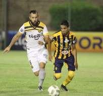 Iván González (i.) tiene 30 años y llega proveniente del Rubio Ñú de su país. Foto: Tomada de hoy.com.py/