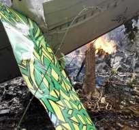 La avioneta se incendió al estrellarse y ninguna de las 12 personas a bordo sobrevivió. Foto: Medios