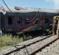 KROONSTAD, Sudáfrica.- Los vagones del tren quedaron calcinados luego de la explosión que ha dejado 180 heridos. Foto: Twitter.