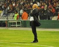 El entrenador uruguayo confía en que llegarán más futbolistas al cuadro 'albo'. Foto: API