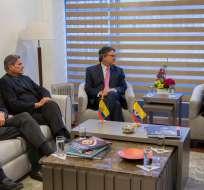 Canciller Espinosa en reunión con el último equipo negociador del Gobierno de Colombia con el ELN. Foto: Cancillería