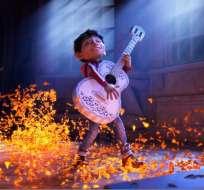"""La película, estrenada en octubre, """"fue un impulso muy grande para la comercialización de la guitarra en Mochoacán, según artesanos. Foto: Facebook Coco."""