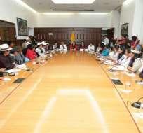 Vicepresidenta Vicuña se reunió con representantes de varias nacionales y pueblos. Foto: Twitter Vicepresidencia