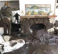 Angustiosa búsqueda víctimas tras inundaciones en California. Foto: AP