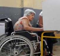 Ecuador.- Las personas con discapacidad ejercerán su voto en la mesa de atención preferencial dentro del recinto electoral asignado. Foto: Internet.