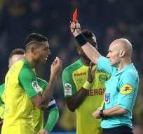 El árbitro Tony Chapron es suspendido provisionalmente por la DTA de la Ligue 1.
