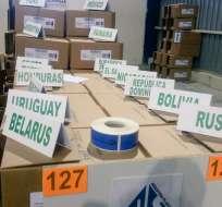 QUITO, Ecuador.- El CNE presentó los kits electorales que se enviarán al exterior. Foto: tomada de twitter