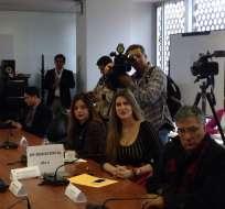 Dictamen sobre sanción a Reyes, genera enfrentamiento entre Bergmann y la asambleísta. Foto: @CristinaReyesec