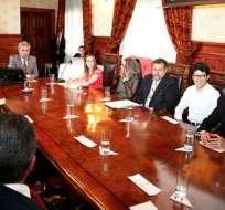 Presidente Lenín Moreno y representantes de la Federación Médica Ecuatoriana se reunieron en Carondelet. Foto: Presidencia