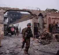NANGARHAR, Afganistán.- Tres de los terroristas fallecieron y más de 26 personas resultaron heridas. Foto: AFP