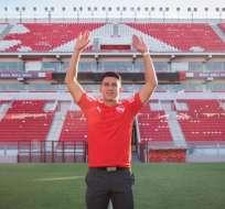 Fernando Gaibor posó con la camiseta de Independiente de Avellaneda, su nuevo equipo.