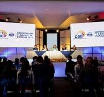 El CNE divulga en su portal los primeros resultados de la votación. Foto: API