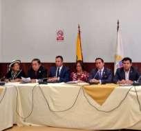 QUITO, Ecuador.- Una vez conformada, la comisión mantiene su primera reunión de trabajo, en la que designó a Daniel Mendoza como presidente y a César Litardo como vicepresidente. Foto: Asamblea Nacional