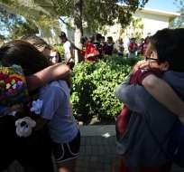 Masacre en una escuela secundaria en Florida dejó 17 muertos. Foto: AFP