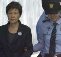 SEÚL, Corea del Sur.- La expresidenta de ese país está privada de su libertad desde marzo del 2017. Foto: AP