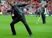 El deportista jamaiquino siempre ha sido un fanático confeso del fútbol. Foto: AFP