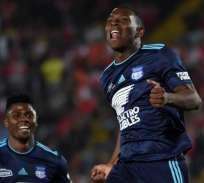 Los 'azules' igualaron 1-1 contra Independiente Santa Fe en el estadio El Campín de Bogotá. Foto: AFP