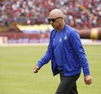 El entrenador uruguayo fue expulsado en los últimos minutos del encuentro ante el equipo colombiano. Foto: API
