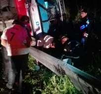 25 personas quedaron heridas tras percance en el anillo vial de Quevedo. Foto: ECU 911