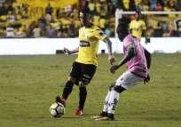 El volante argentino-ecuatoriano también pidió que sigan creyendo en el grupo de jugadores. Foto: API
