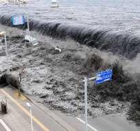 Imagen de archivo que captó el momento del tsunami en Japón. Foto: Archivo AFP