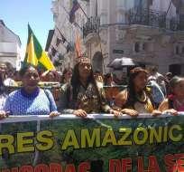 QUITO, Ecuador.- La marcha se da luego de un encuentro de tres días entre líderes de comunidades amazónicas. Foto: Confeniae
