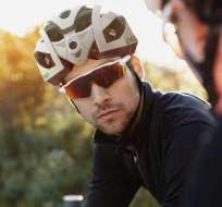 El casco Edge cuenta con sistemas de detección de puntos ciegos. Foto: Tomado de Engadget.com.