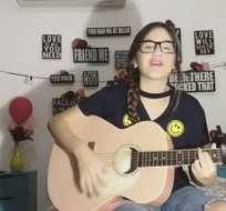 Mar Rendón, finalista de ETT6, canta la canción de 'Silvana sin lana'. Foto: Captura de video