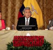 QUITO, Ecuador.- El presidente de la República, Lenín Moreno, asistió al ascenso de su homólogo, Sebastián Piñera. Foto: Secom