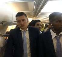 La delegación de Delfín tuvo problemas en el vuelo que los trasladó desde Medellín a Manta.