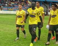 El jugador de 23 años juega como volante ofensivo. Foto: Tomada de la cuenta Twitter @RobertinoInsua
