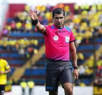 Roddy Zambrano fue designado para pitar el encuentro entre Estudiantes de La Plata y Santos.