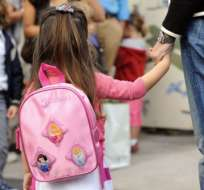 Los niños y adolescentes retomarán las jornadas escolares próximamente en la región Costa.