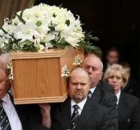 Los restos de Stephen Hawking serán colocados junto a los de Isaac Newton en junio en la Abadía de Westminster, en Londres.
