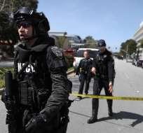 Mujer que abrió fuego en California se suicidó, según la Policía. Foto: Justin Sullivan / AFP