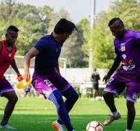 Delfín trabaja en Santiago a la espera del partido contra Colo Colo por la Libertadores.