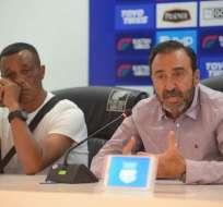 El presidente de Emelec estuvo junto a Alfredo Arias en el anuncio de su salida. Foto: API