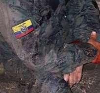 QUEVEDO, Ecuador.- El cabo Julio Grefa fue asaltado por delincuentes durante su guardia en la unidad militar. Foto: Twitter