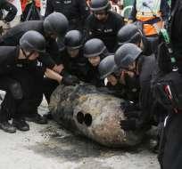 La bomba es de fabricación estadounidense y pesa unos 450 kilos. Foto: AP