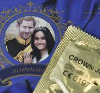 """Así son los preservativos de la marca """"Las joyas de la corona"""", en conmemoración a la boda real. Foto: AFP"""