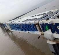 El primer caso fue registrado en octubre del año pasado y causó el derrumbe del puente. - Foto: Jorge Wated (SECOB)