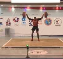 David Arroyo levantó 185 kg y logró medalla de oro. Foto: twitter