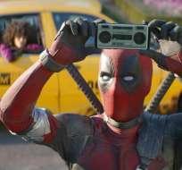"""Imagen proporcionada por el estudio Twentieth Century Fox se muestra al actor Ryan Reynolds en una escena de """"Deadpool 2"""". AP"""