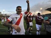 El peruano se reunió con el presidente de la FIFA, Gianni Infantino, en búsqueda de apoyo. Foto: JUAN RUIZ / AFP
