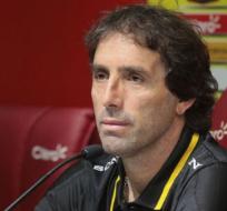Guillermo Almada calificó el arbitraje de Omar Ponce como 'erróneo'.