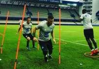 El defensa ecuatoriano-paraguayo solo jugó 4 partidos en 3 meses que estuvo en los 'millonarios'. Foto: Tomada de @fran_silv15