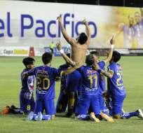 El equipo 'cetáceo' venció 5-2 a la 'chatoleí' en el Jocay de Manta. Foto: Ariel Ochoa/API.