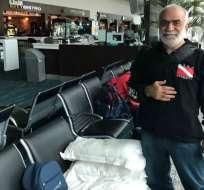GUAYAQUIL, Ecuador.- Nizam Hussein Shalak, ciudadano libanés, lleva más de 40 días en el aeropuerto de la ciudad. Foto: Cortesía
