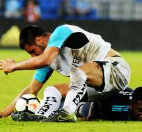 Los 'azules' perdieron 3-2 ante la 'chatoleí' y están a 11 puntos del líder, Liga de Quito. Foto: API